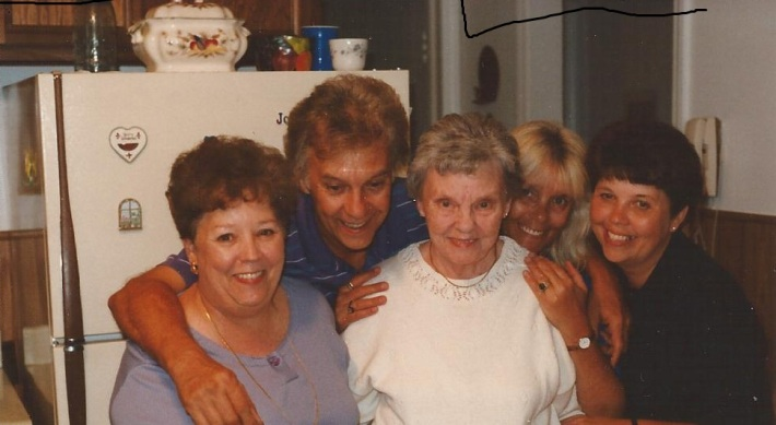 Isabel surrounded by four of her children, Barbara, Ron, Betty and Sandra on her birthday, August 28, 1996.