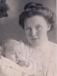 Lizzie Minnix holding her first son, Eugene. (2)