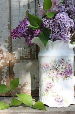 these are a few of my favorite things picture of lilacs in vase