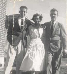 Ronnie Barbara Riley amd Jack S. on Easter Sunday, 1950's cropped (2014_07_12 01_15_44 UTC)